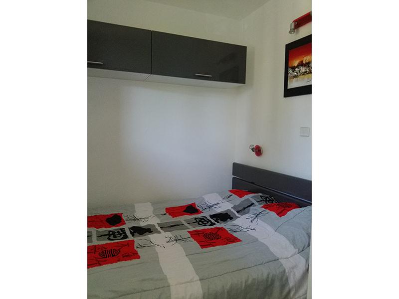 Chambre 2 avec un lit de 140 cm