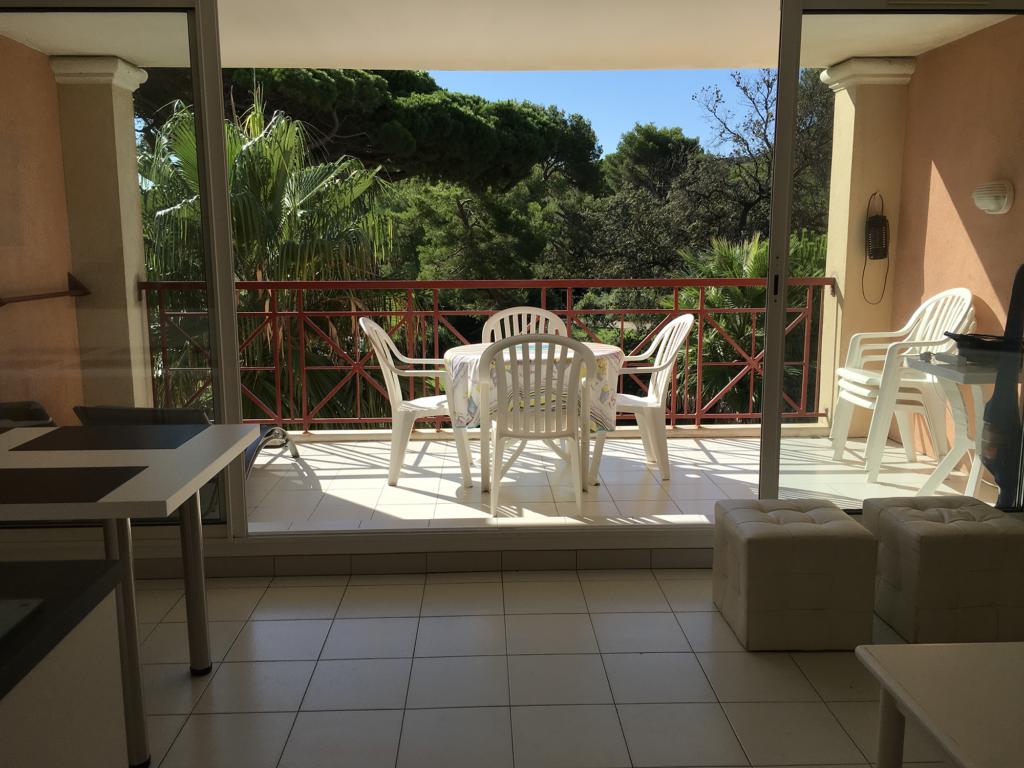 Appartement avec terrasse - Location de vacances à Giens