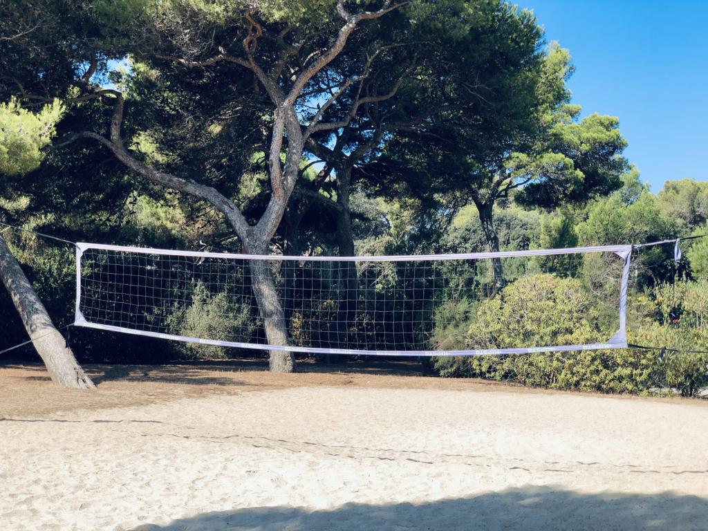 Terrain de Volley-Ball dans résidence de Giens