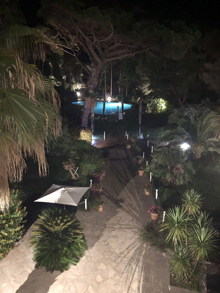 Vue terrasse de nuit - Appartement de Giens